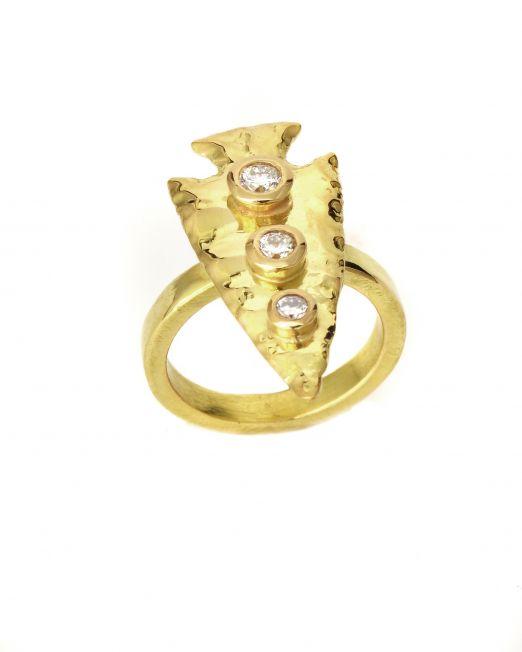 20-r-001-Arrow-Head-ring-with-diamonds